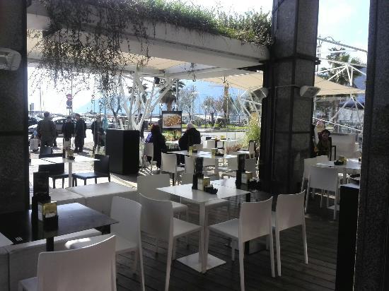 Gran caffe canasta salerno ristorante recensioni for Cerco locale commerciale roma