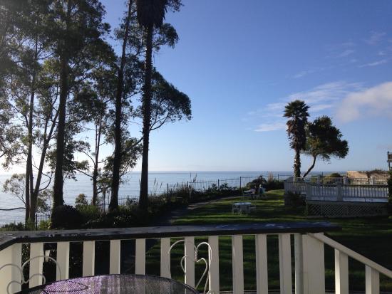 Monarch Cove Inn: Utsikt från verandan