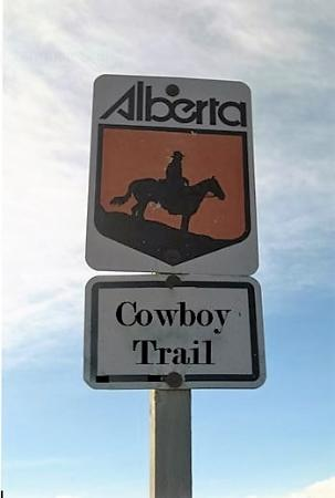 Longview, Canada: These signs are all along the highway.