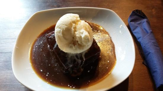 Threshfield, UK: Stick toffee pudding