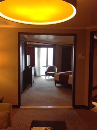 Millennium Hotel Sirih Jakarta Ruangan R Overview Dari Ruang Tamu