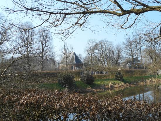Slot Zuylen: The area surrounding the castle.