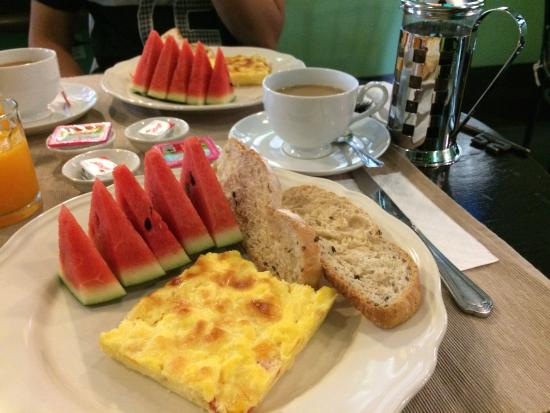 Baan Pra Nond Bed & Breakfast: Lovely ambience and tasty breakfast!