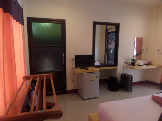Lanta Pearl Beach Resort Photo
