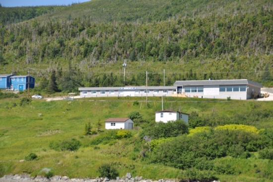 Woody Point, Kanada: View of Inn from the Bay