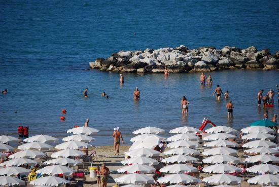 View from san marco hotel foto di bagni stella marina for Bagni stella marina cattolica