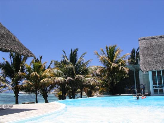 Le Surcouf Hotel & Spa: Pool, Bar and Beach