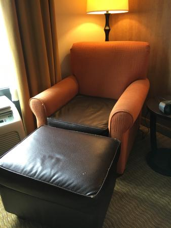 Holiday Inn Express Hotel & Suites Lebanon: odd bi-colored old chair in otherwise update room