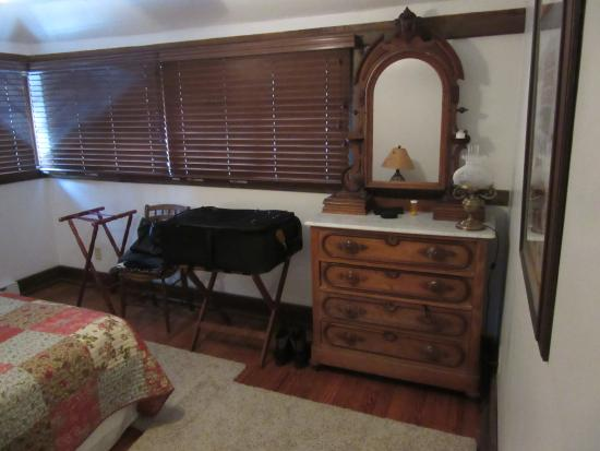 Winterberry Bed & Breakfast : Adirondack Room dresser & West windows