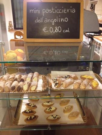 Saronno, Italia: L'angolino del dolce gusto