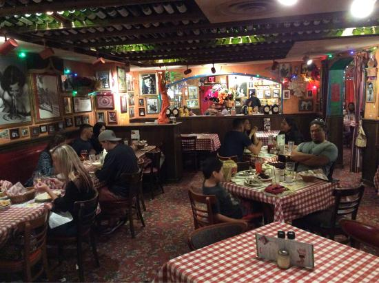 Picture of buca di beppo honolulu tripadvisor for Best private dining rooms honolulu