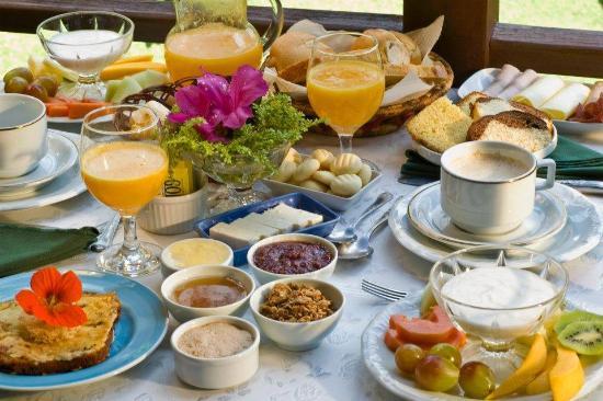 Pousada Terra da Luz: Café da manhã
