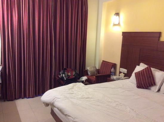 Hotel Chandra Park Photo