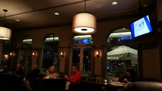 Frankie\u0027s Italian Kitchen and Bar: Looking towards windows but it\u0027s dark out ... & Looking towards windows but it\u0027s dark out now... - Picture of ...