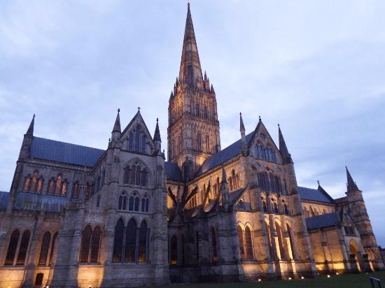 Salisbury cathedral construction