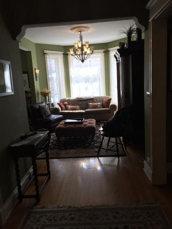 Chicago Guest House: photo0.jpg