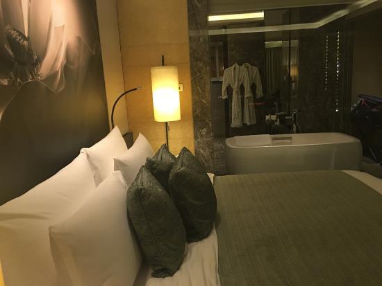 Interior - Siam Kempinski Hotel Bangkok Photo