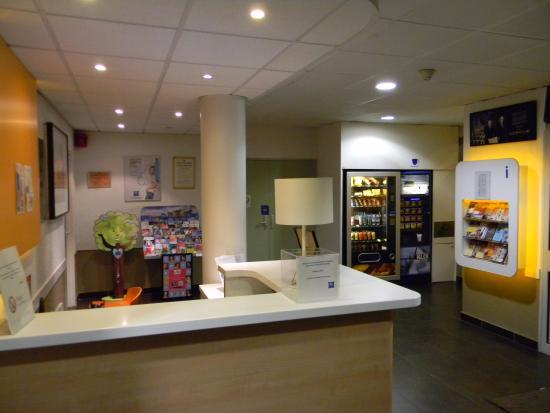 Ibis Budget Blois Centre : ресепшен