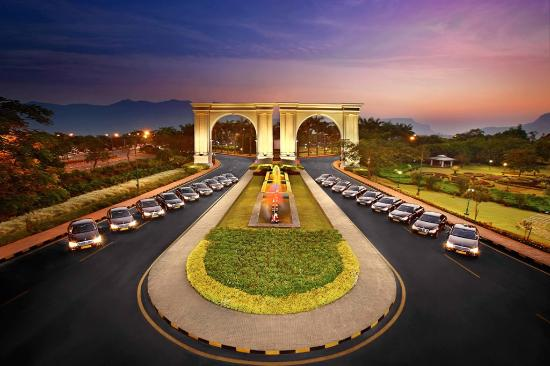 Aamby Valley City, Indien: TWIN GATE