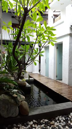 the center open space with shared washrooms and basins on the right rh tripadvisor ca