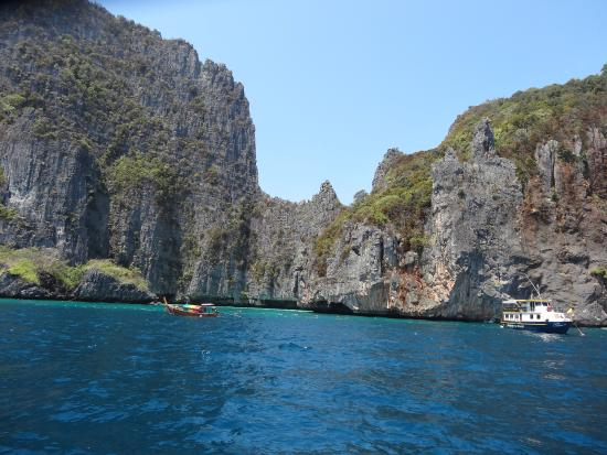The bay - Picture of Ko Phi Phi Le, Ko Phi Phi Don - TripAdvisor