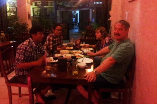Battambang Province, Cambodia: last night 4 persons got dinner at 2.5 market street restaurant in battambang on 20/03/2016