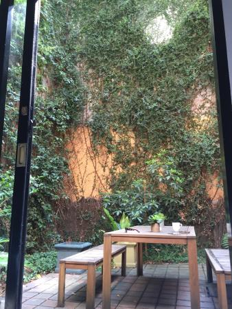 Great location in Melbourne see room tips