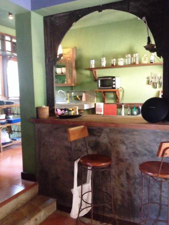 Rare Angon Villas: Kitchen Rumah Ampel