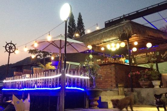 Sunshine Bar & Restaurant