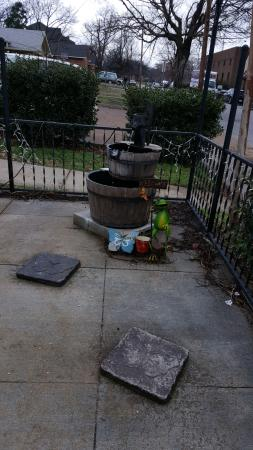 The Dog Of Nashville: Eclectic Patio Garden Fountain And Green Frog