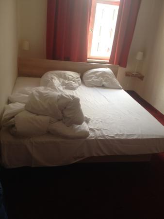 Smart Stay Hotel Station: questo è lo stato in cui ho trovato la camera all'arrivo