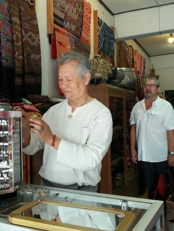 Gong Luang Shop