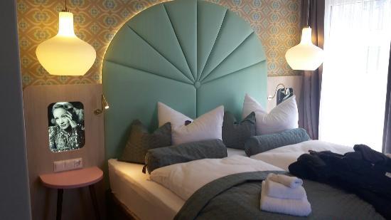 Bernstein Hotel 50 S Seaside Motel