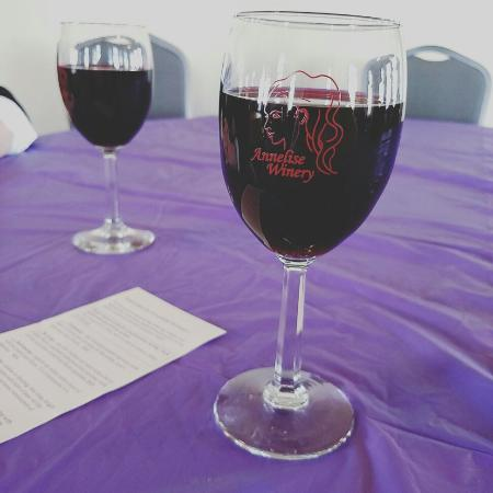 Indianola, IA: Annelise Winery
