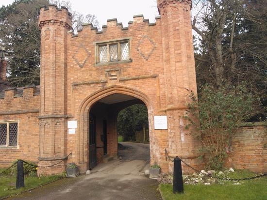 Entrance Gate to Thrumpton Hall