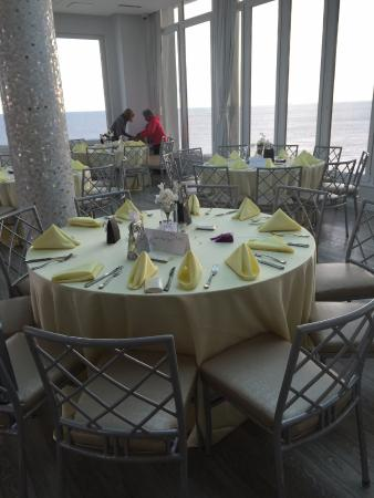 Allegria Hotel: Setting up for event adding personal touch