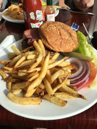Brooklyn Bridge Restaurant & Cafe