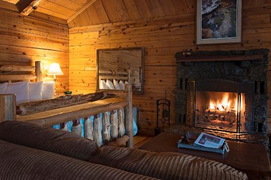 Buffalo outdoor center ponca lodge reviews photos for Cabins near ponca ar