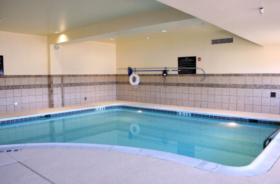 Hampton inn suites birmingham hoover galleria updated for Pool show birmingham