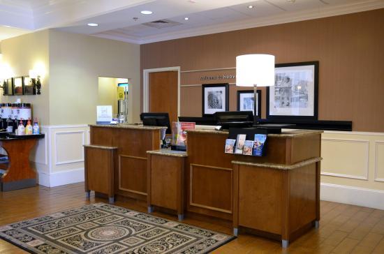 Hampton Inn & Suites Birmingham-Hoover-Galleria: Lobby 1