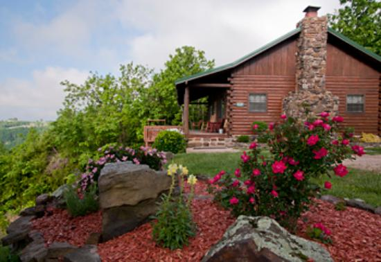 Buffalo Outdoor Center: The Arkansas Cabin is a guest favorite with its outdoor hot tub deck and 30-mile view of Buffalo