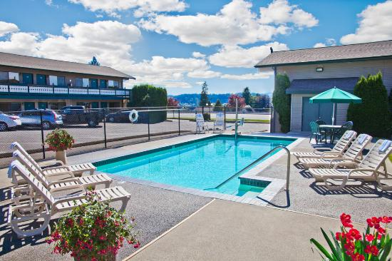 pool picture of poulsbo inn poulsbo tripadvisor