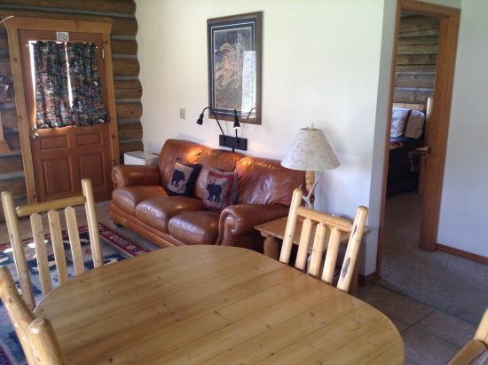 Darby, MT: Ponderoasa Cabin Living Room