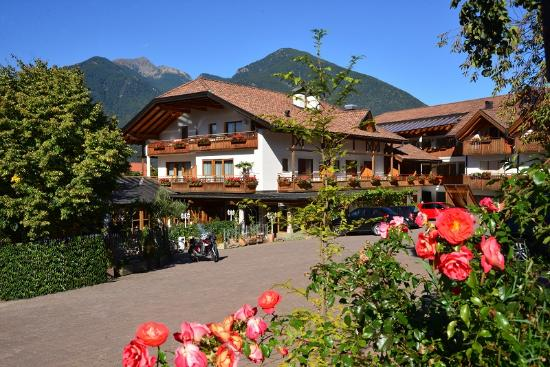 Hotel Hochrain : Süd-Ansicht / South view