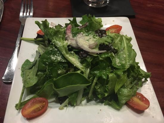 Granite City, IL: Delicious house salad with Italian vinaigrette