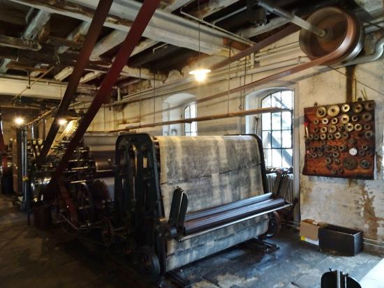 LVR-Industriemuseum Tuchfabrik Müller: Transmissionen zum Antrieb der Maschinen.