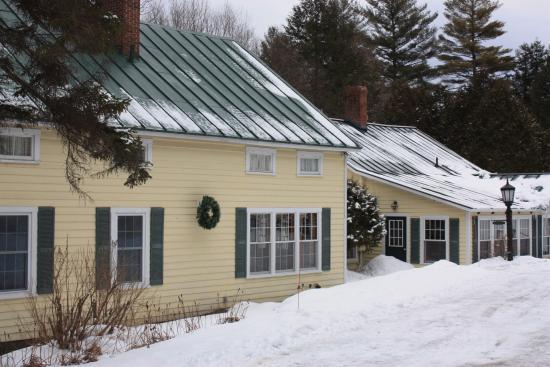 Tucker Hill Inn: The outside of the inn in February