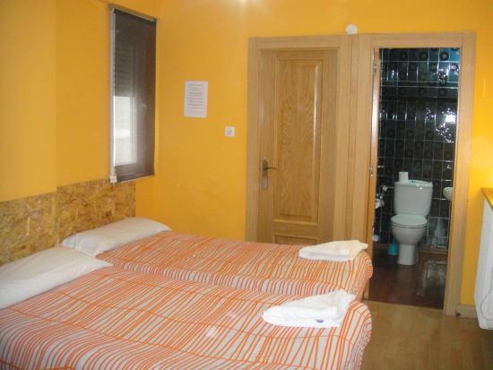 Arjori Rooms Hostal: habitacion doble