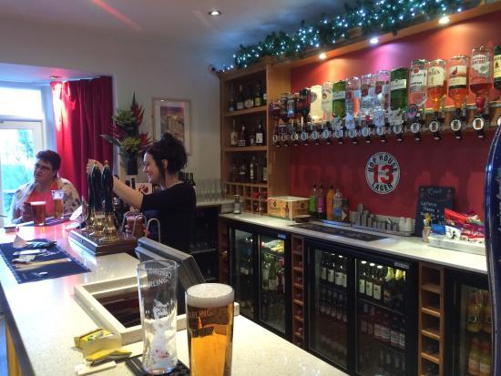 Rems Cafe Bar and Restaurant: photo0.jpg