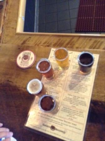 Gonzo's Biggdogg Brewing: The flight and they place the drinks on the menu so you know which is which!